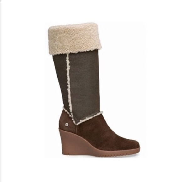 06d80a36eec ❗️MAKE AN OFFER❗️UGG Shearling Suede Wedge Boots